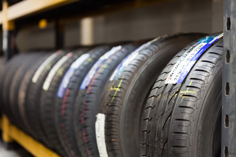 Dexters Tyres